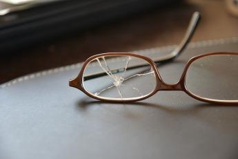 glasses-1611121_640